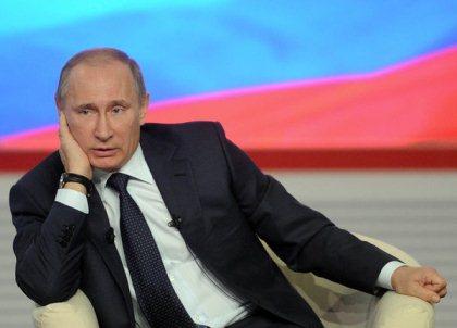 «Отпечатки чего? Рогов? может быть копыт? Какие отпечатки пальцев?» - «возмущенно» Путин «поставил на место» американку