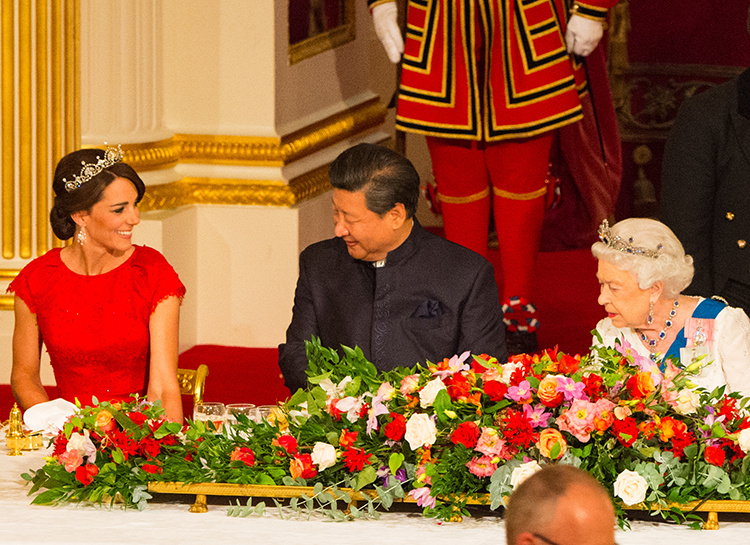 Объявлен первый в этом году совместный выход в свет Кейт Миддлтон и Меган Маркл Монархи / Британские монархи