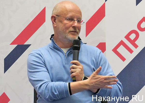 «Идеология пропала, а чем ее заменить – непонятно». Дмитрий Пучков – о капитализме, православии и ватниках