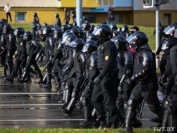 Убийства, жесткие разгоны протестов, спецлагерь и другие приказы Лукашенко: в Сеть слили аудиозапись «замглавы МВД Белоруссии»