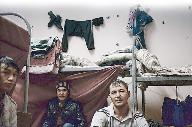 Почти семь тысяч мигрантов в одной квартире