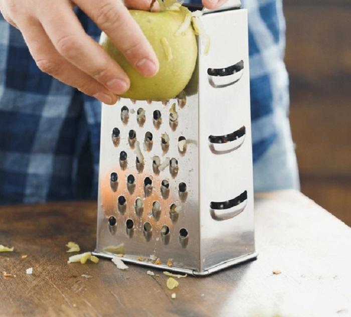 оладьи с яблоками на сметане