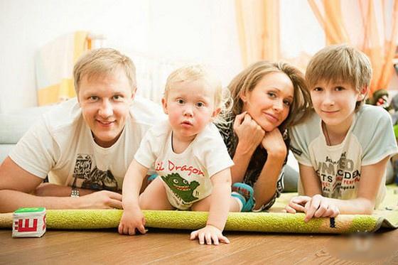 Семья – это труд: как восьмикратный отец Сергей Горобченко покорил сердце дочери известного артиста