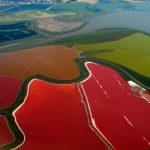 Природная аномалия. Обычное озеро загадочным образом поменяло цвет