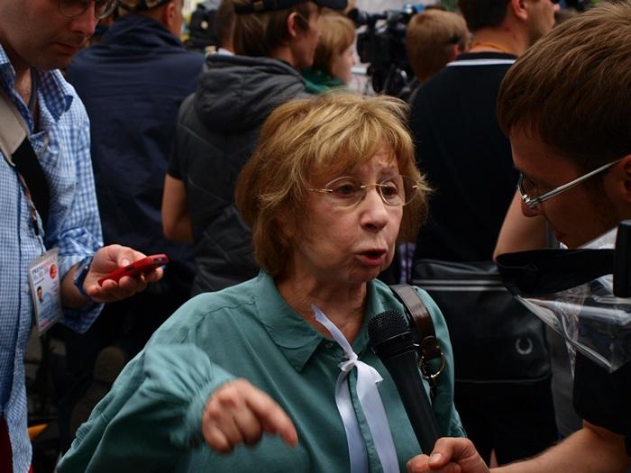 Ахеджакова, Собчак, Ходорковский обратились к мэру Москвы с просьбой увековечить память Немцова