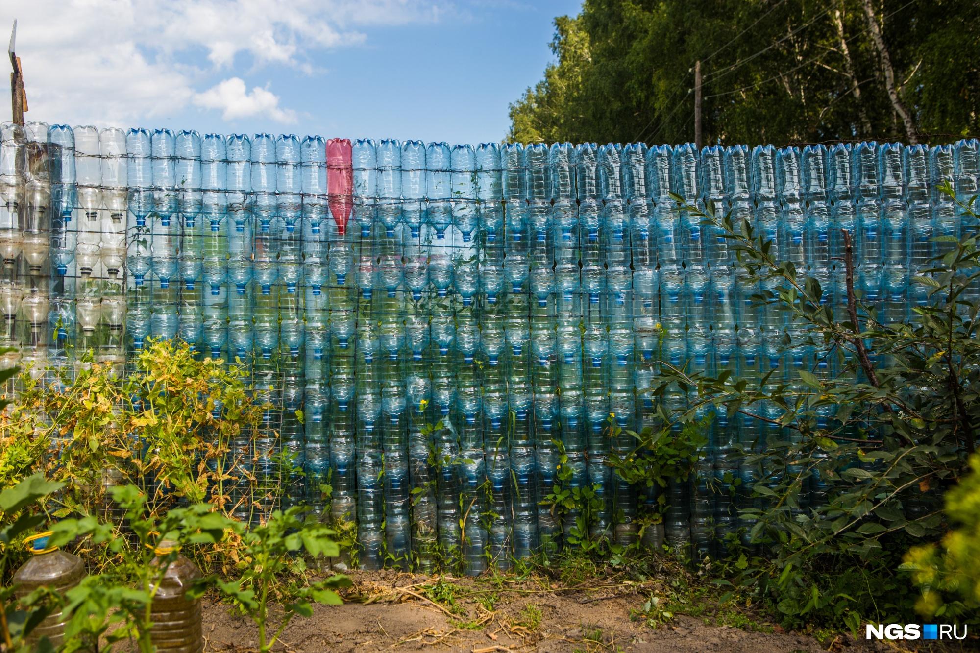 Как украсить забор из дерева фото эритема