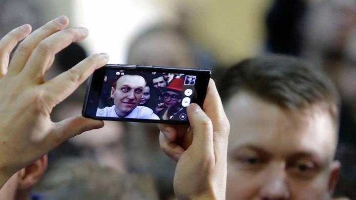 За Навальным охотились четыре года колонна