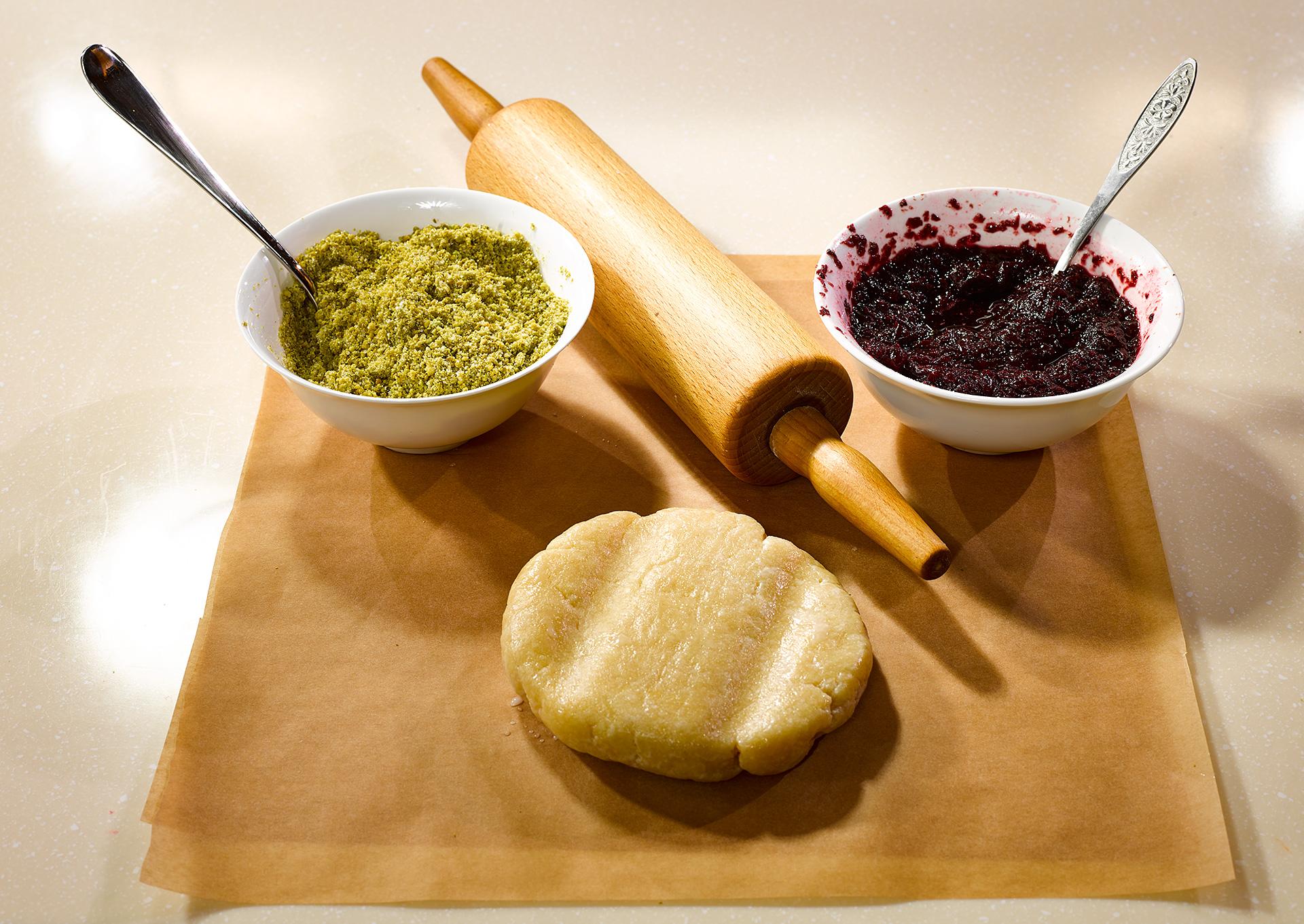 Вишневый суп и пирог тесто, грамм, сахар, приправить, может, Добавить, огурцы, вишни, порцию, другие, чтобы, положено, будет, кардамон, зеленый, недоумение, вызывает, масле, варьироваться, растворится