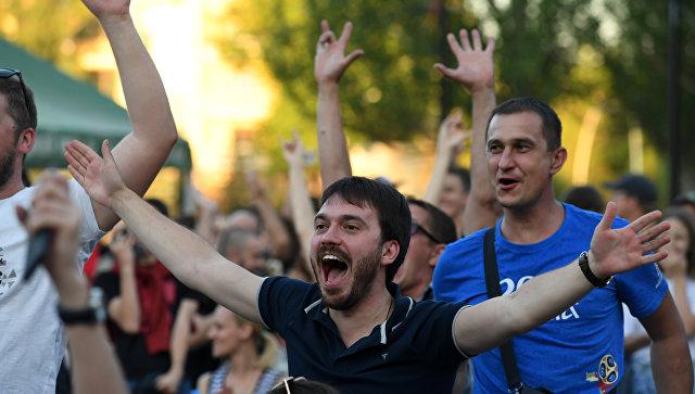 Укропы удавятся. Иностранные болельщики поехали в Крым.