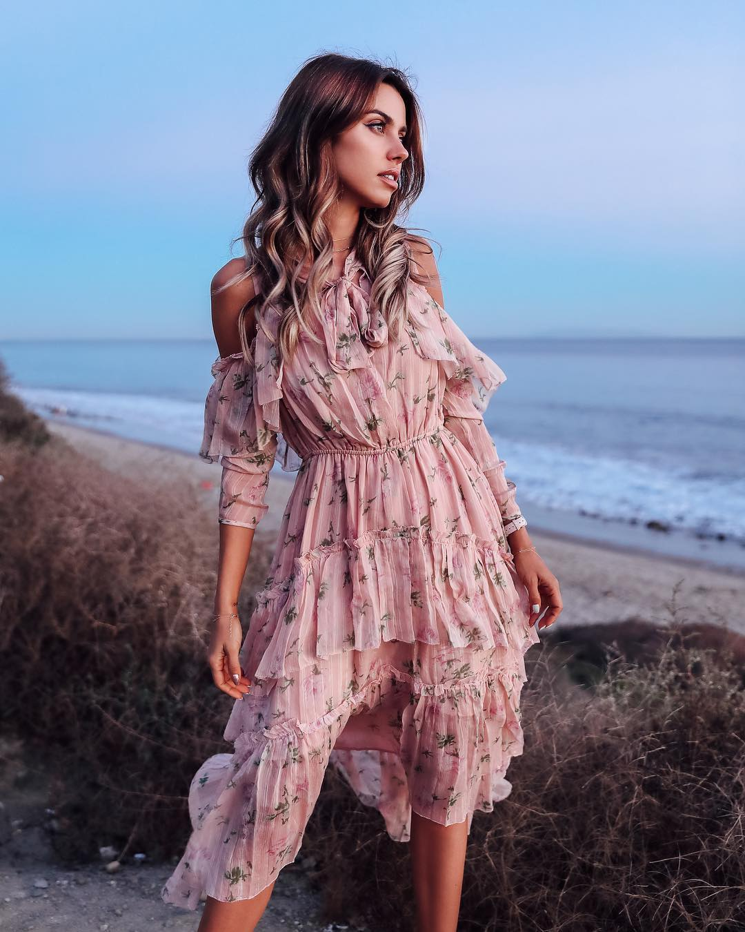 Модная новинка летнего сезона 2019 - 10 нежнейших образов в пудровых оттенках мода,модный обзор,Наряды,образ,Платья,тренды