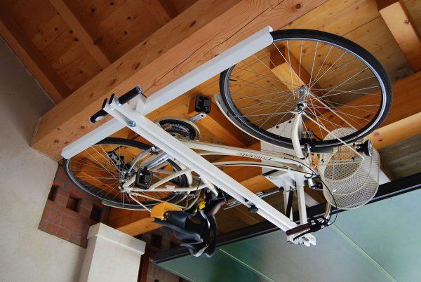 5 хитрых способов как можно хранить велосипед в небольшой квартире идеи для дома,организация хранения