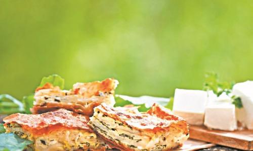 Пирог из лаваша с брынзой и зеленью