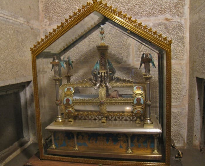 Реликварий с большой берцовой костью Марии Магдалины | Фото: polit.ru