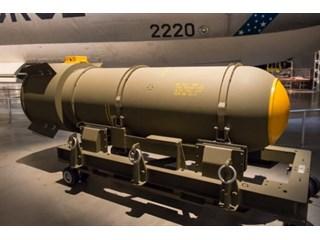 Зачем Америке нужны тонны ядерного оружия
