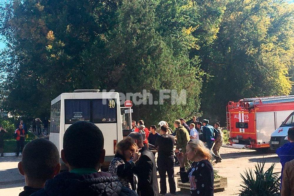 При взрыве в техникуме в Керчи погибли 10 человек
