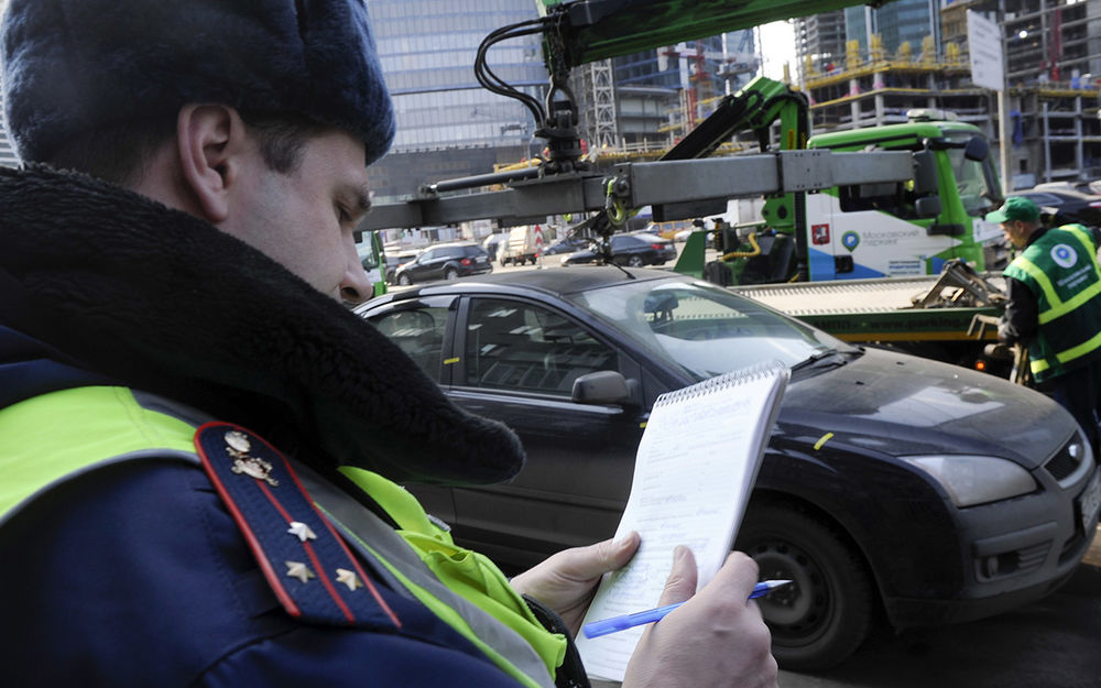 Забыл документы, машину отправили наштрафстоянку. Так можно?