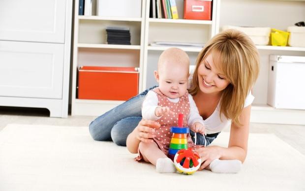 Общение с малышом в игре