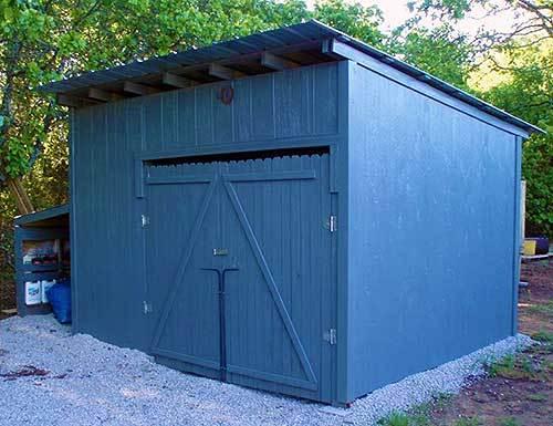 Строим сарай из поддонов на даче
