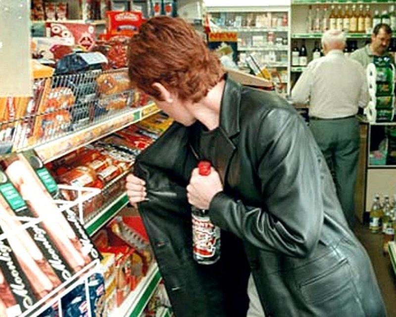 Женщины воруют в магазинах в 4 раза чаще мужчин. информация, картинки, факты