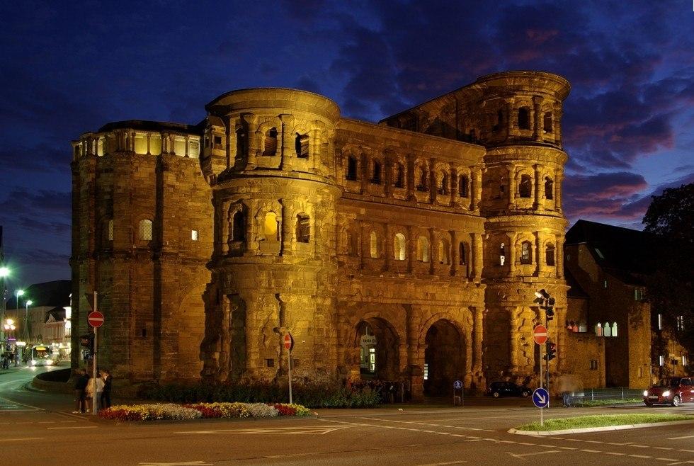 Черные ворота Трира, Германия