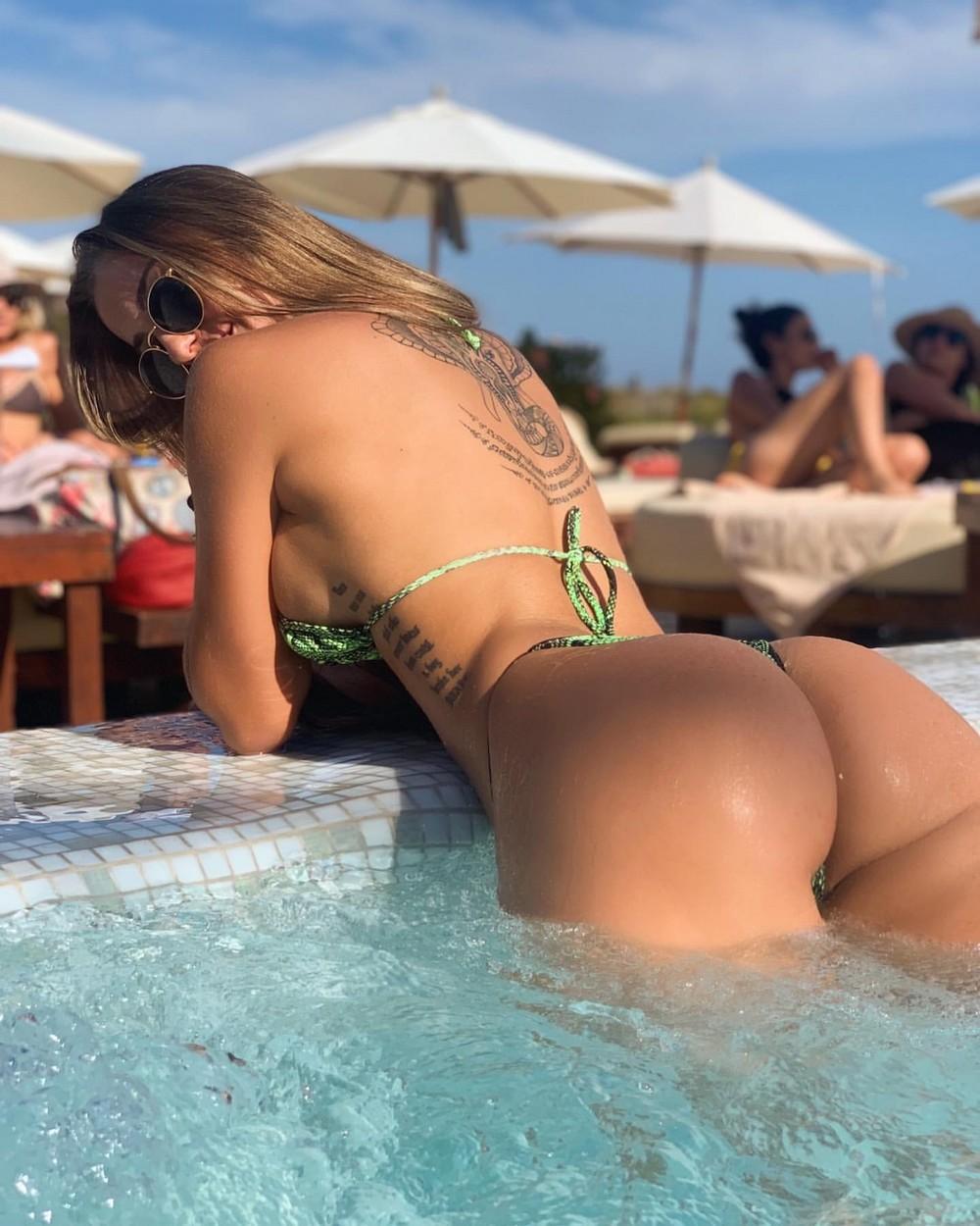 Девушки выгибают спинку картинки,позитив