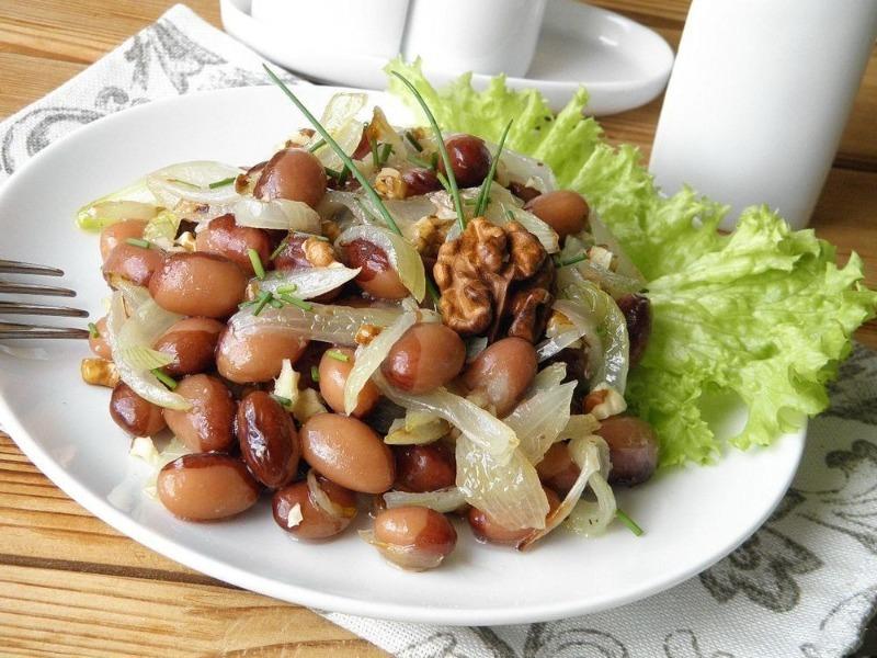 3 салата из фасоли, которые быстро утолят даже сильный голод кулинария,рецепты,салаты