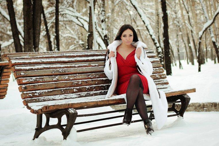 Девушки в шубе зимой на природе (43 фото)