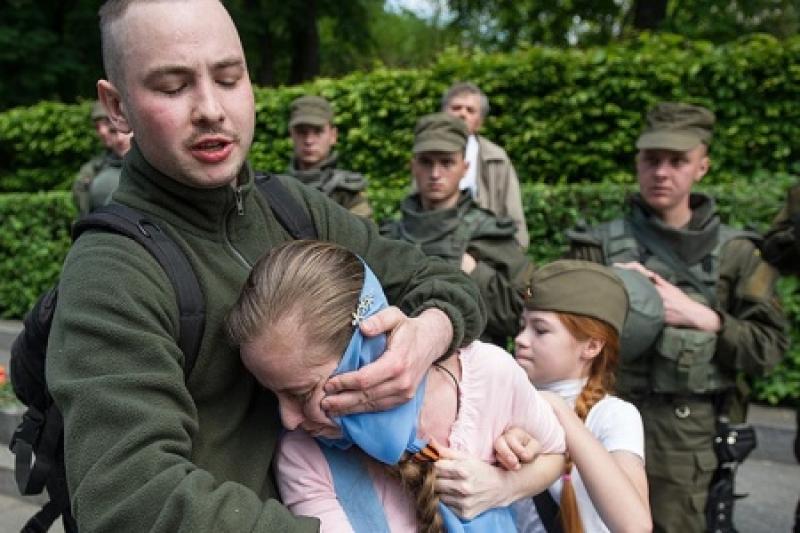 В Киеве зарезали ОУН-новца, срывавшего 9 мая георгиевскую ленточку с девочки Насти в парке Славы