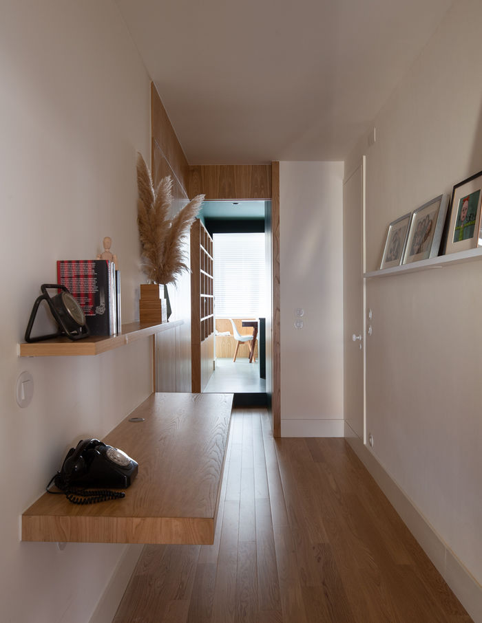 Стильная современная квартира с эффектной темной кухней интерьер и дизайн,квартира,современный стиль