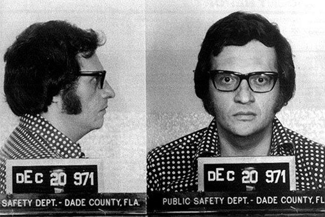 Ларри Кинг. В декабре 1971 года он был арестован по подозрению в махинациях с деньгами. арест, звезды, полиция, правонарушение