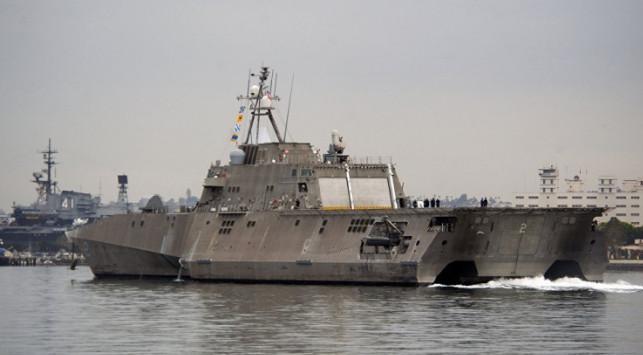 СМИ назвали американские боевые корабли «плавучей кучей мусора»