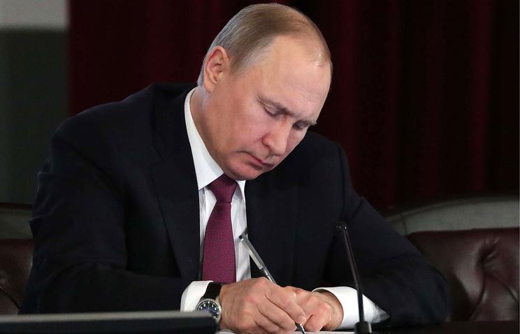 Путин приступил к решающей с…
