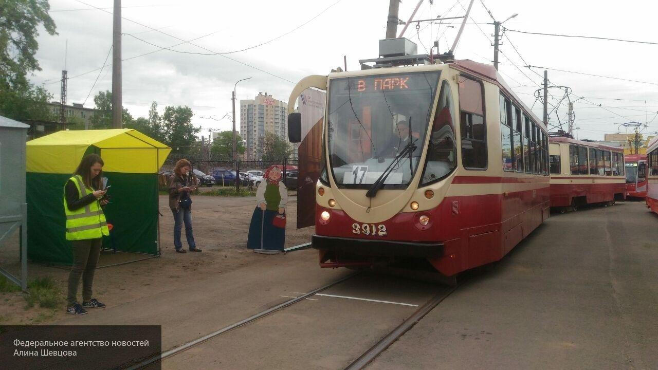 В Перми 41-летний мужчина-пешеход попал под колеса трамвая