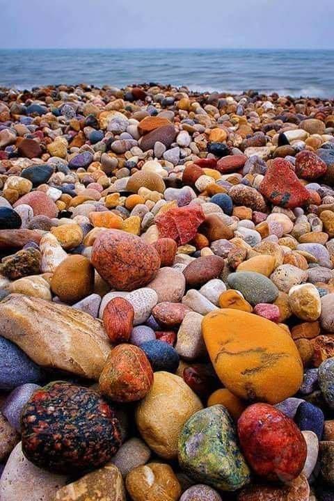Красочная галька с побережья озера Гурон (Huron), Северная Америка. интересное, интересные снимки, снимки