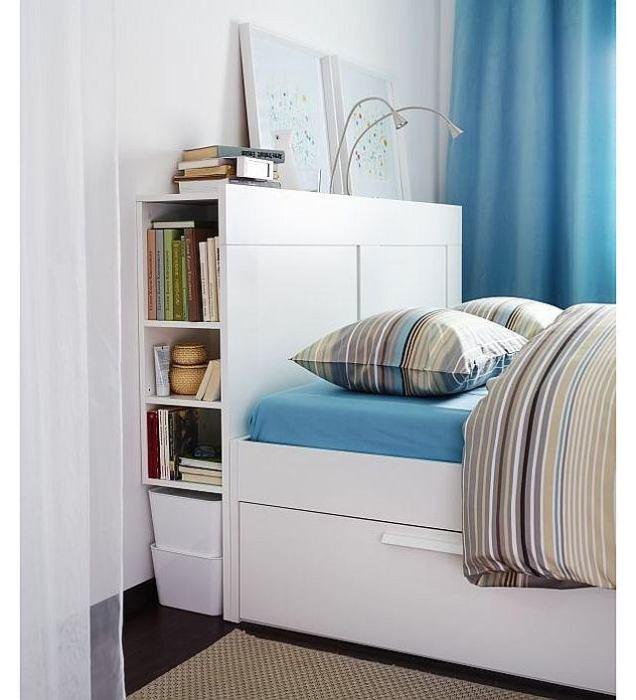 Вещи и предметы можно хранить как в открытом виде, так и в коробках. | Фото: mayertrade.com.ua.