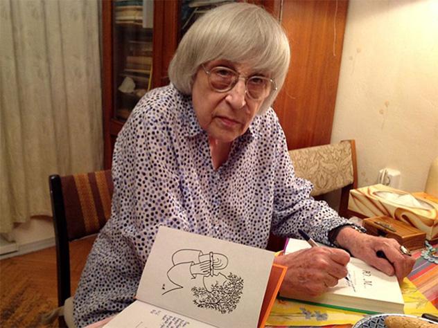 Юнна Мориц посвятила стихи Алексиевич, оправдавшей убийц Бузины