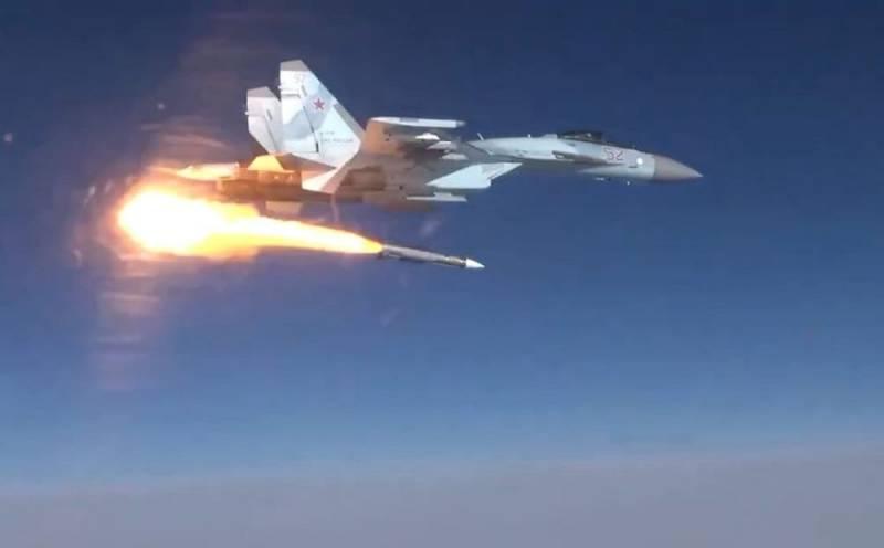 Российский Су-35 впервые запустил новейшую ракету Р-37М Новости