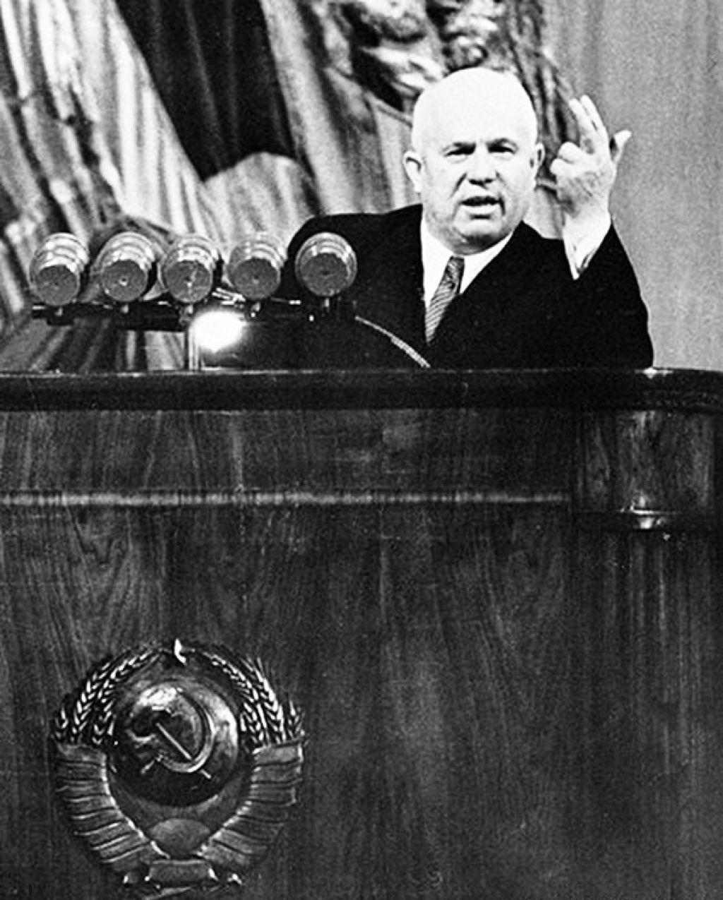 """Почему разгром """"культа личности"""" совпал с  разгромом Советской Армии"""