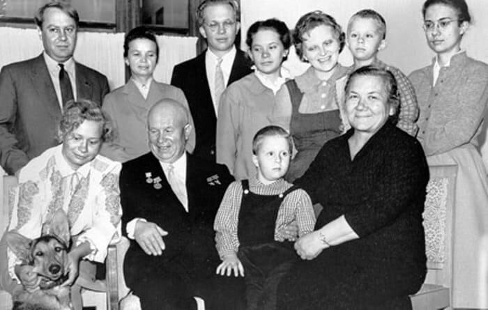 Бедная родственница из СССР. Жена Никиты Хрущева, которая была не так проста, как казалась