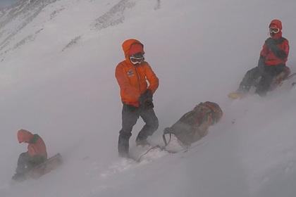 Россиянин не дождался помощи спасателей и умер на вулкане