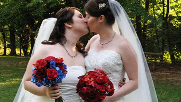 Однополые браки: венчать или проклинать?