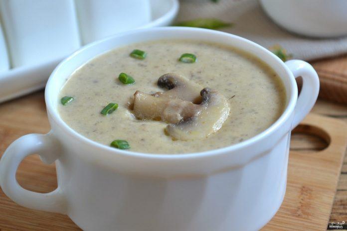 Нежный сливочный крем-суп из шампиньонов с ярким чесночным ароматом