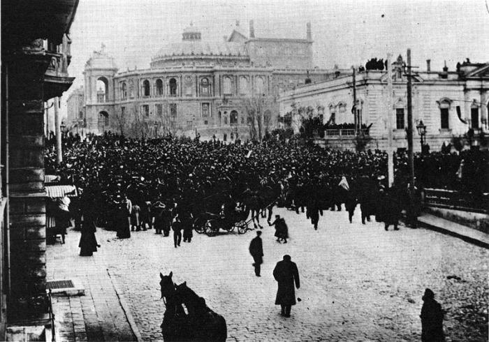 Манифестация в занятой французами Одессе, фото ок. 1919 года