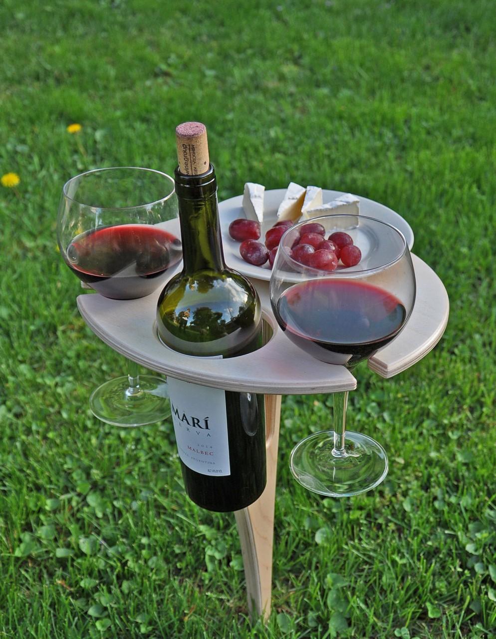 ИНТЕРЕСНАЯ ИДЕЯ: Раскладной столик для вина