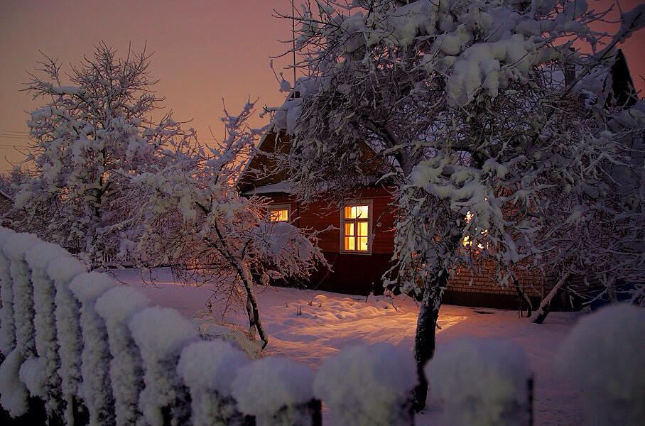 Дом,ночь,зима.