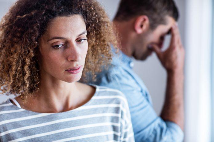 10 причин, по которым мужчина уйдёт от вас, даже если любит