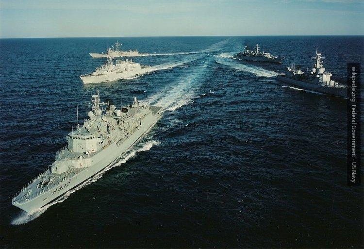 НАТО стягивает силы к границам РФ, прикрываясь учениями — Минобороны