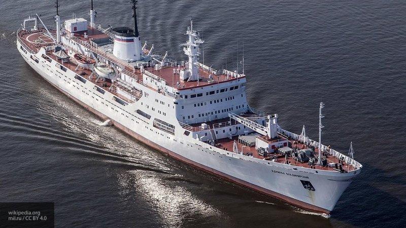 Корабли российского флота прибыли в Антарктиду по случаю 200-летия открытия континента