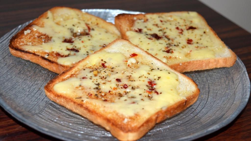 Горячие и холодные бутерброды с чесноком: просто и быстро