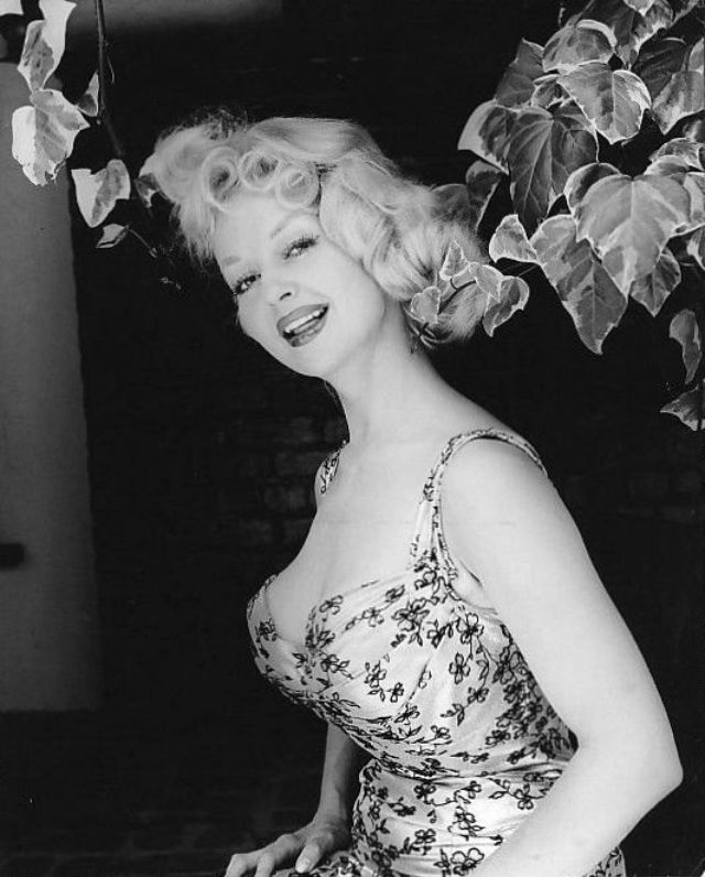 Greta Thyssen in the 1950s and 1960s (12).jpg